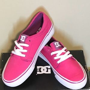 Girls DC Sneakers!